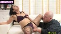 Зрелая азиатка ругается с мужем из за секса