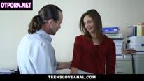 Зрелый шеф трахает секретаршу в анал и заливает спермой